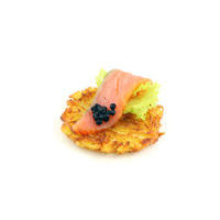 2523. Smoked salmon with crispy potato rösti